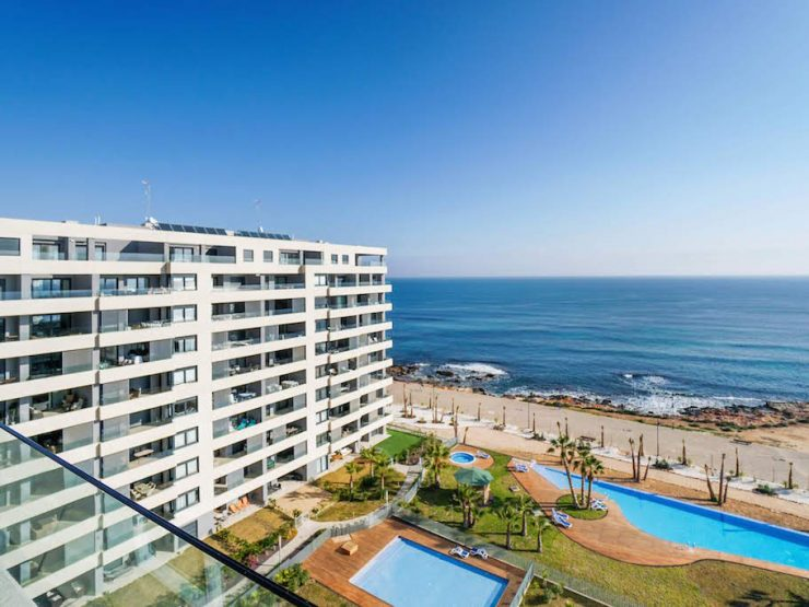 Luxury apartment in Punta Prima, Costa Blanca South, Alicante
