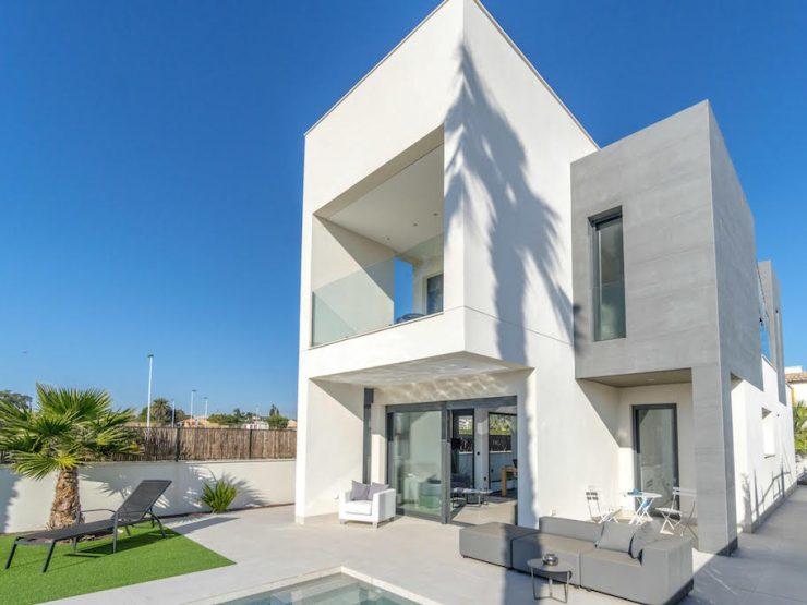 Villa in La Marina, Costa Blanca South, Alicante