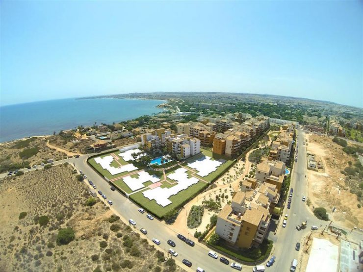 Apartment next to the beach in Punta Prima, Costa Blanca South, Alicante