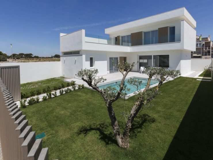 Modern villa with basement walking distance to the beach in Santiago de la Ribera, Costa Calida, Murcia, Spain