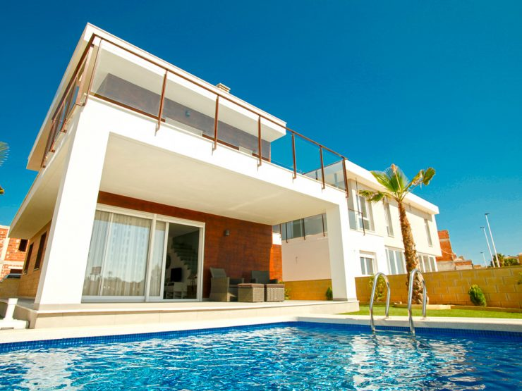 Great price for this modern villa with basement in Gran Alacant, Costa Blanca South, Alicante, Spain