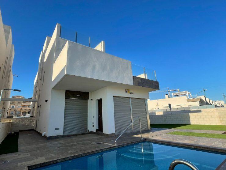 Maison minimaliste à Villamartin, Costa Blanca Sud, Alicante, Espagne